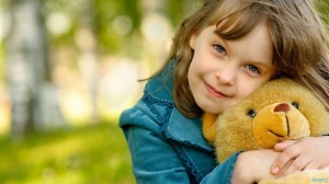 Cute Little Girl With Her Teddy Bear HD Wallpaper-1280x720-cutelittlebabies.blogspot.com