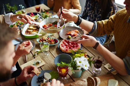 Sharing-meal-eating-habits_blog